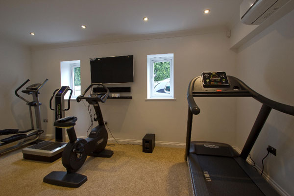 Garage conversion to Gym